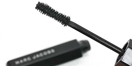 cepillo rimmel velvet noir de marc jacobs exclusiva en sephora