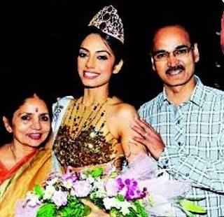 Sobhita Dhulipala Family Husband Son Daughter Father Mother Marriage Photos Biography Profile.