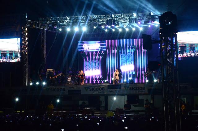 Primeira noite de Expoac reúne cerca de 12 mil pessoas