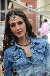 Actress Farah Karimi Pictures at Thikka Shooting Spot  0082.JPG