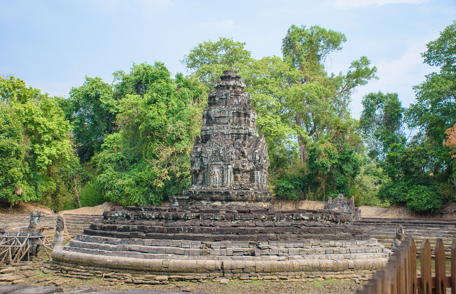 visiting temples in cambodia. where to visit in cambodia. Banteay Sri, Banteay Samre, Preah Khan, Ta Som, and Neak Pean