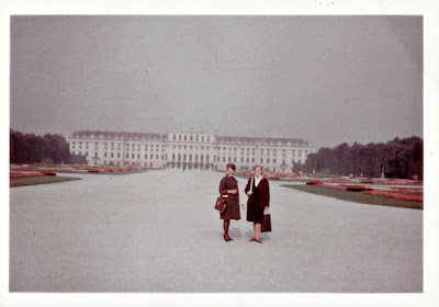 Lena in front of Schönbrunn Palace in 1965