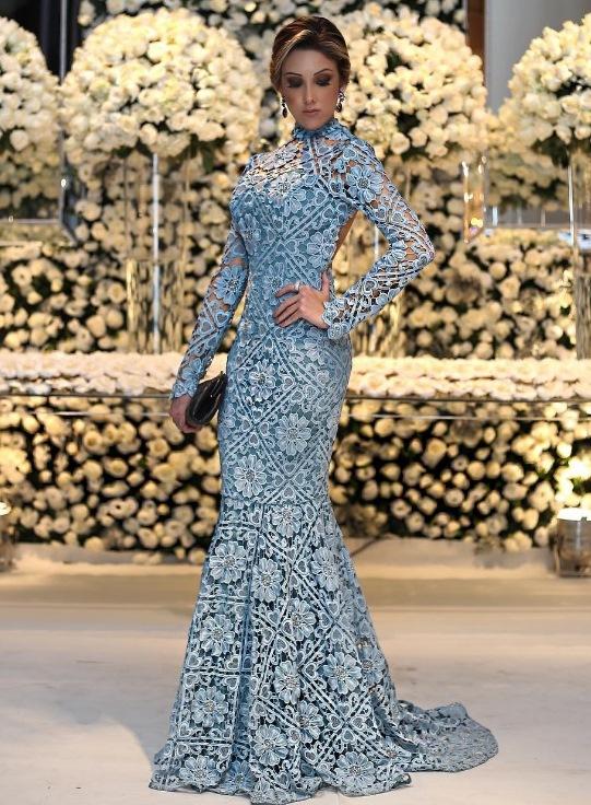 vestido de festa azul claro renda