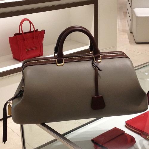 Tas dompet besar