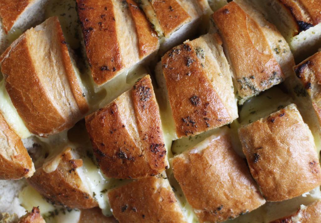 Recipes | Easy, Cheesy Garlic Bread