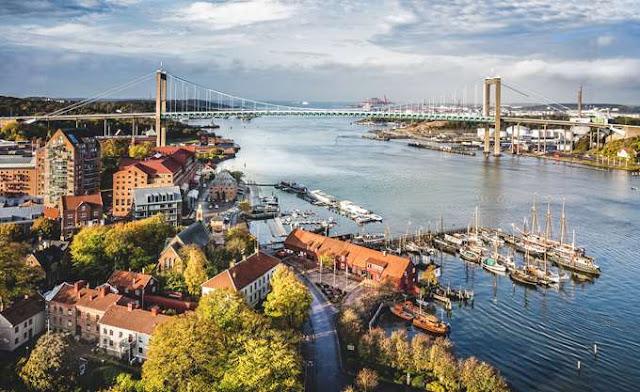 Τραυματισμένος ο διπολισμός στη Σουηδία