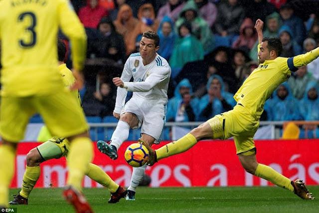"""Ronaldo cực đỉnh của """"chân gỗ"""": Kiệt quệ dứt điểm 11 ăn 0 3"""