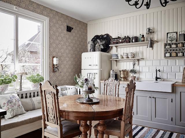 bucatarie in stil rustic intr-un apartament