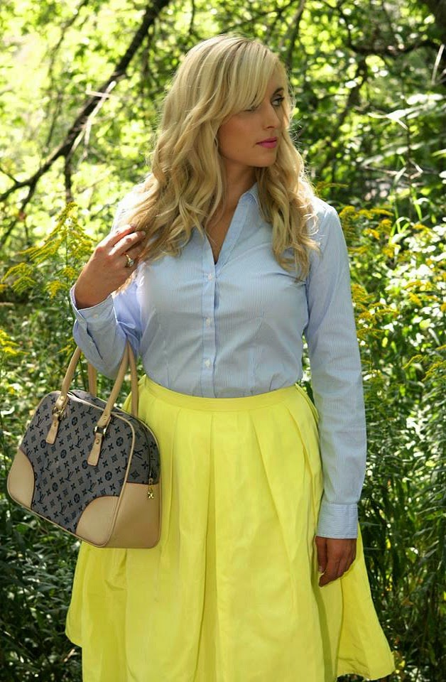 how-to-wear-a-midi-skirt-to-work