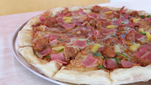 chicken aloha pizzza