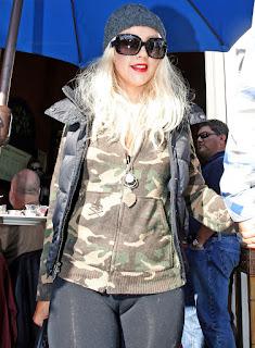 fotos christina aguilera leggins ajustados