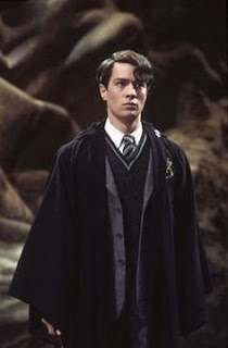 Крисчън Колсън като младия Лорд Волдемор в Хари Потър и стаята на тайните