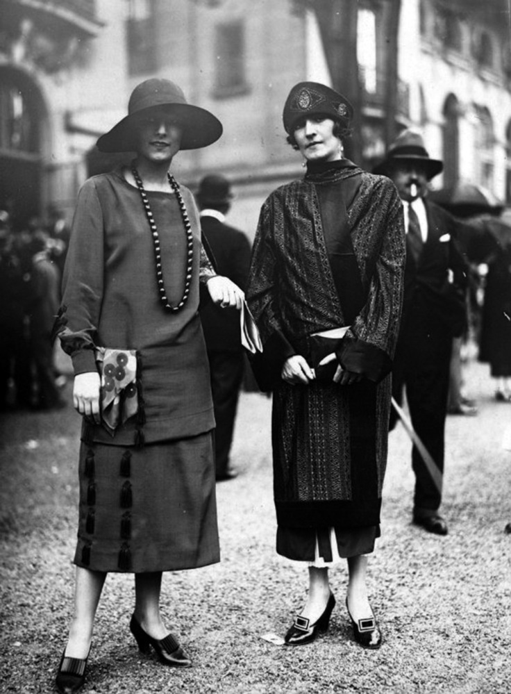 50 Fabulous Vintage Photos That Show Women S Street Style From The 1920s Vintage Everyday