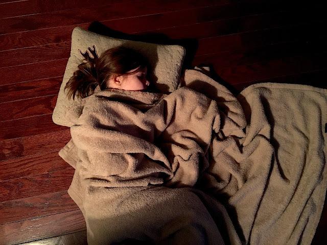 فوائد النوم بدون ملابس, اضرا النوم بدون ملابس, فوائد النوم عاري, اسباب النوم عاري, النوم عاري,