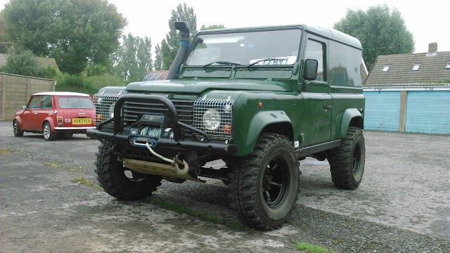 landrover defender land rover defender 90 300 tdi green. Black Bedroom Furniture Sets. Home Design Ideas