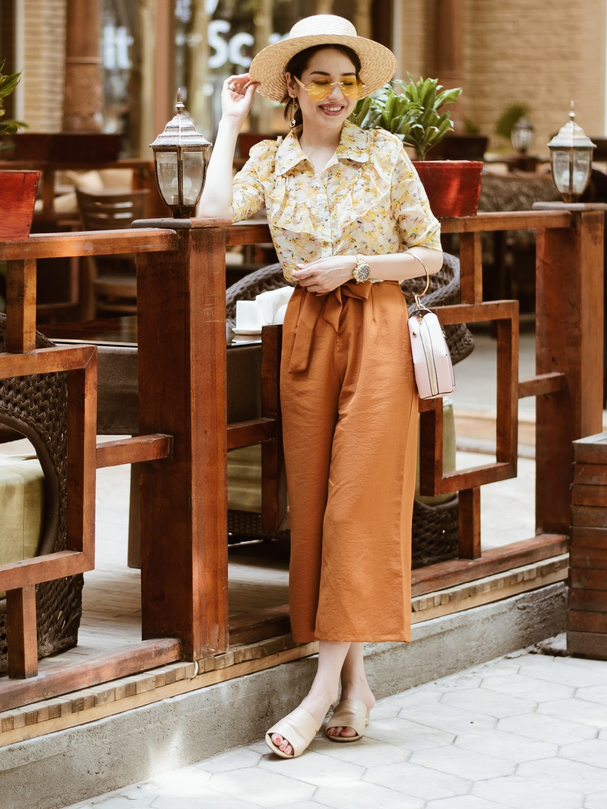 diyorasnotes diyora beta fashion blogger style outfitoftheday lookoftheday rust high waised culottes florap print blouse straw hat asos mules