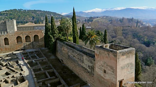 Praça de Armas da Alcazaba, na Alhambra de Granada