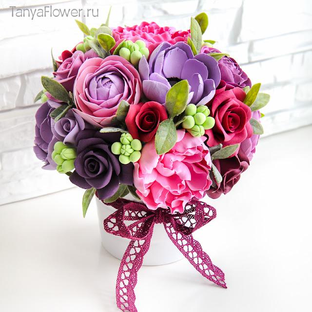 букет цветов ручной работы из полимерной глины и холодного фарфора