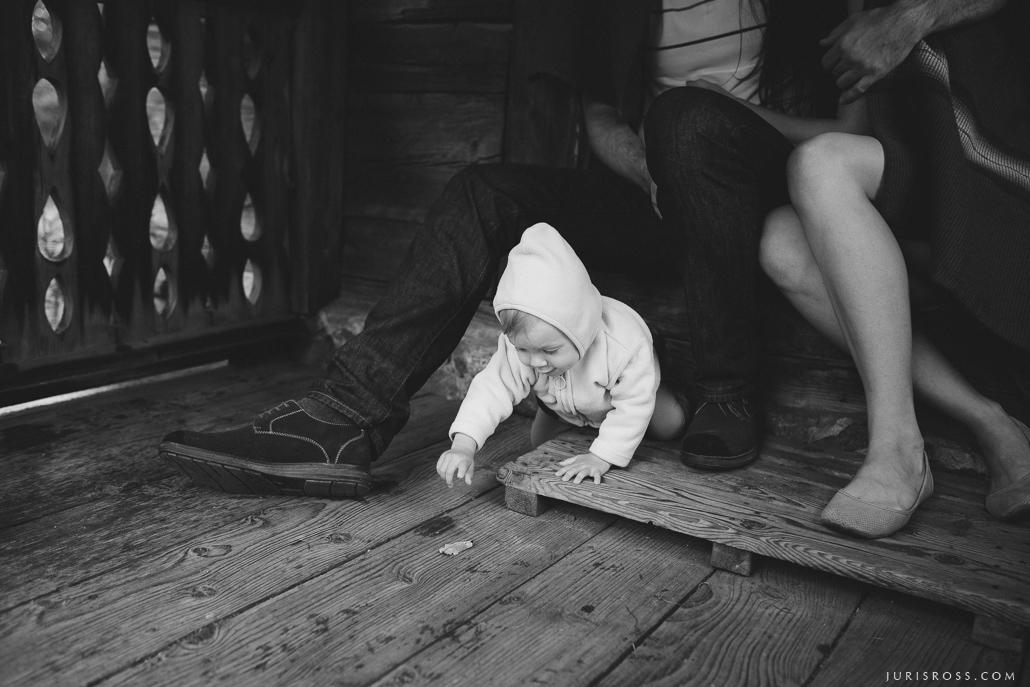 guļbūves māja koka grīda
