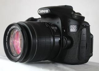 Canon 60D + Lensa Canon 18-55mm