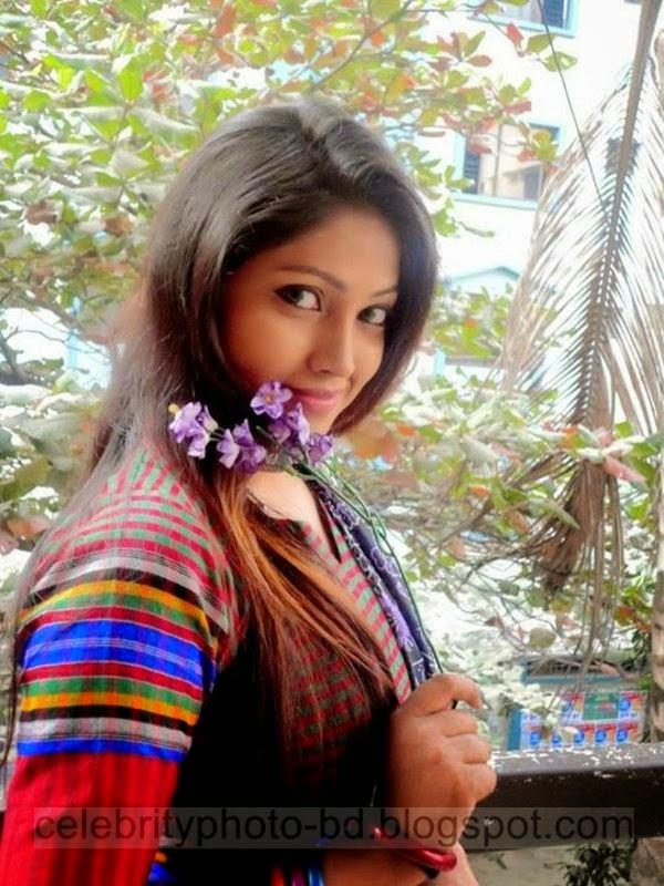 Beautiful Bangladeshi Hot Girls Photo 2014