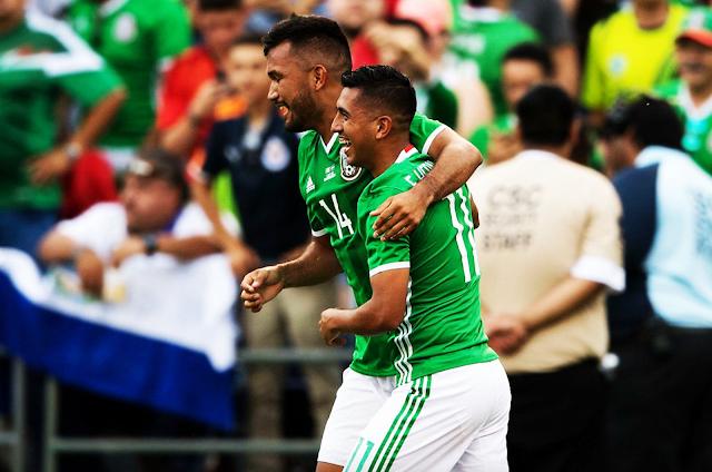 México derrotó 3-0 a El Salvador