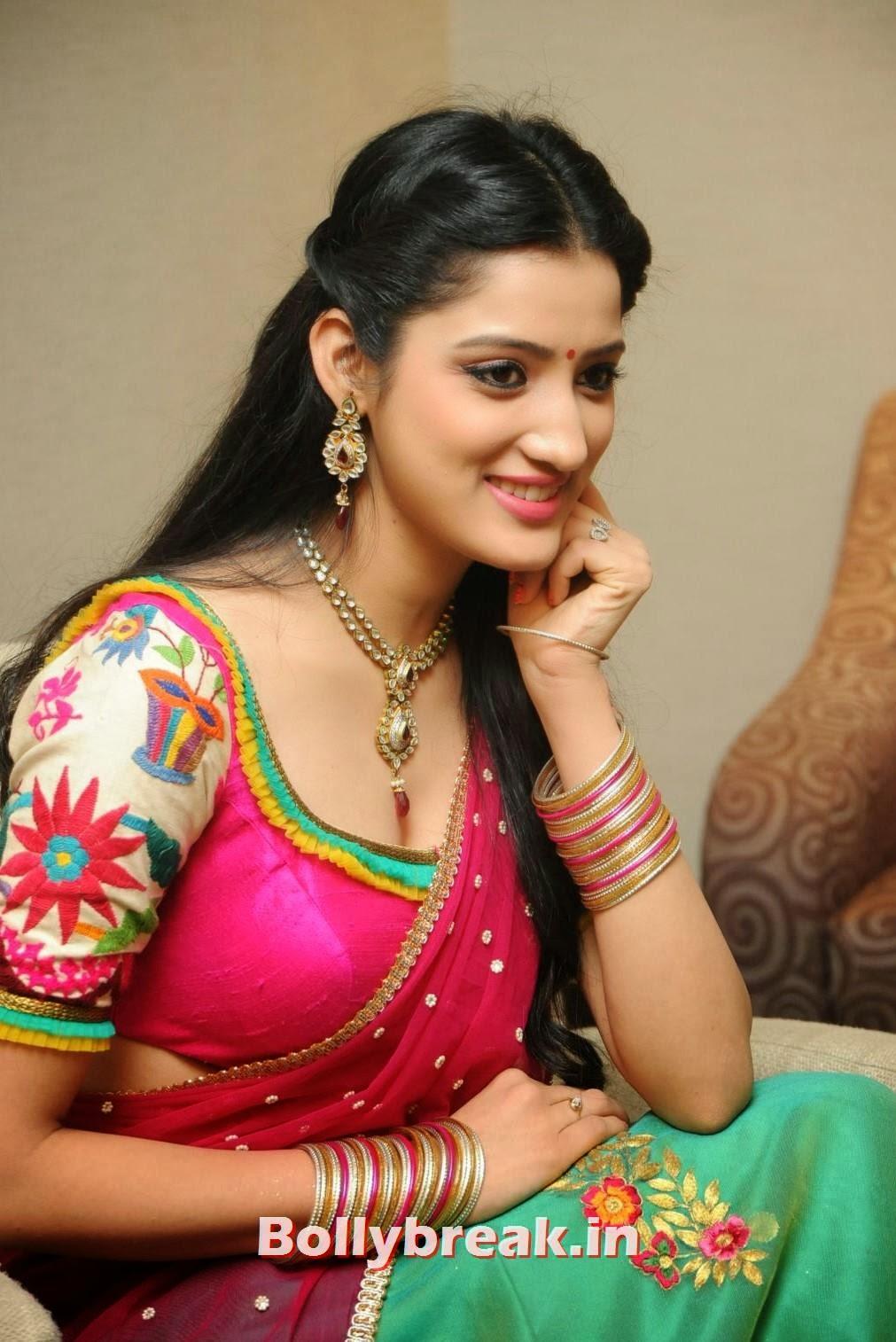 , Richa Panai Half Saree Pics - South Indian Actress