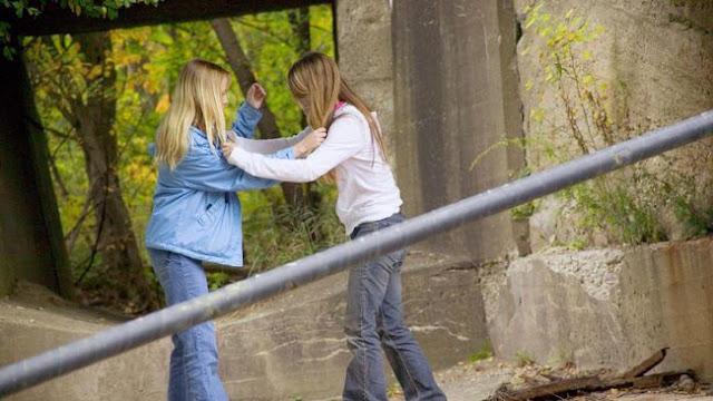Mengapa Para Remaja Tertarik Melakukan #SkipChallenge?