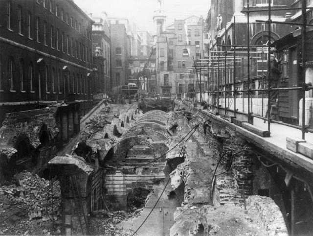 8 October 1940 worldwartwo.filminspector.com King's College London Blitz bomb damage