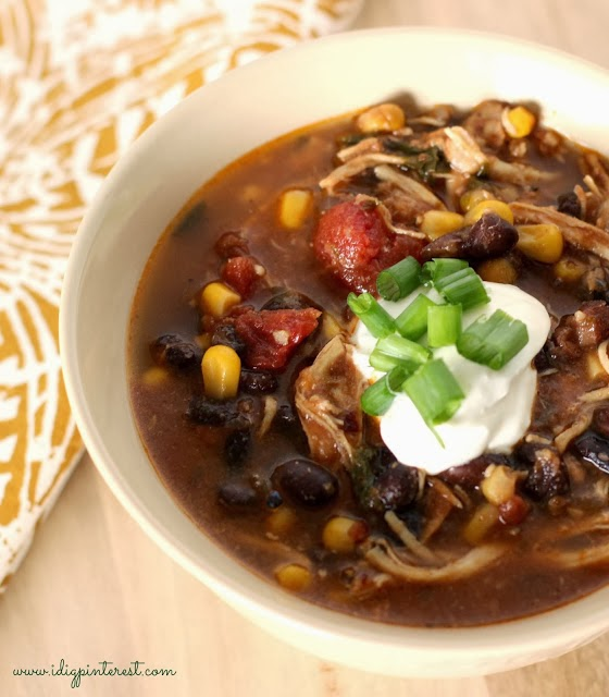 Healthy Skinny Crock Pot Chicken Enchilada Soup