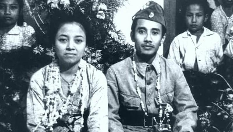 Ibu Sulistina dan suaminya, Bung Tomo