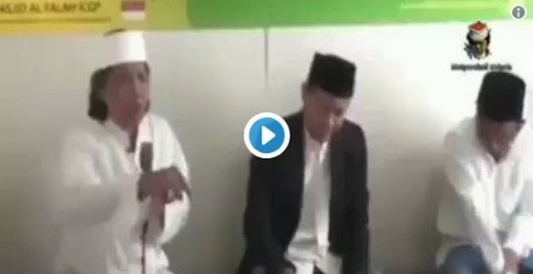 "Presiden Jokowi Cuma Petugas Partai, Cak Nun: ""Makanya kalau Milih Presiden sing Ati-ati!"""