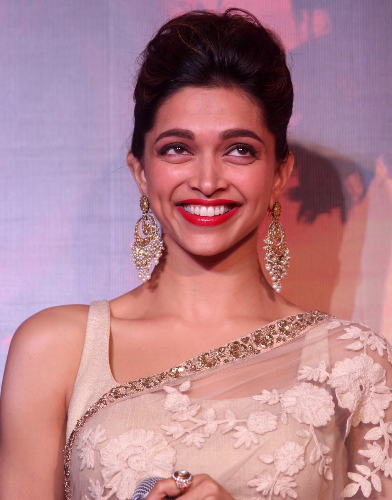 Deepika Padukone Ram Leela Movie Trailer Launch Photo ...