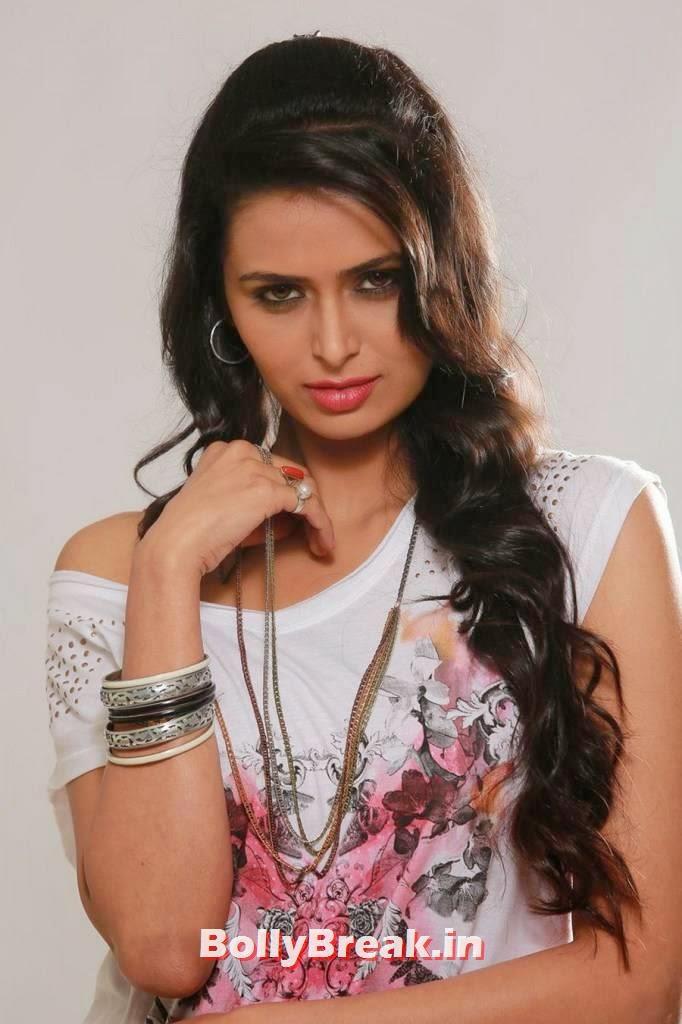 , Meenakshi Dixit Takkar Movie Latest hot Hd Images