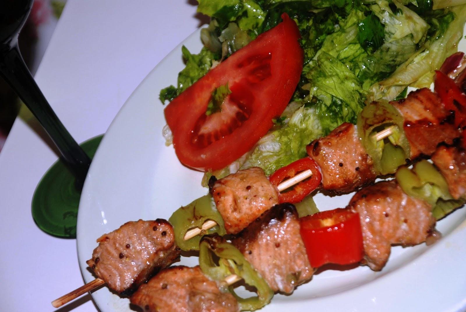 Baharatlı Somon Şiş Tarifi – Yemek Tarifleri