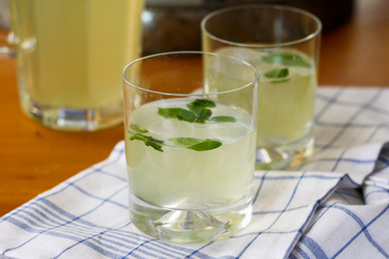 basil and vanilla vodka lemonade
