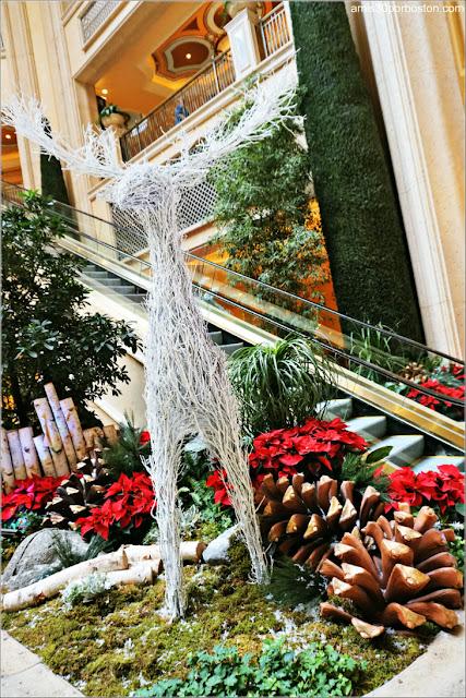 Navidad en Las Vegas 2017: Decoraciones en el Waterfall Atrium and Garden entre el Venetia y el Palazzo
