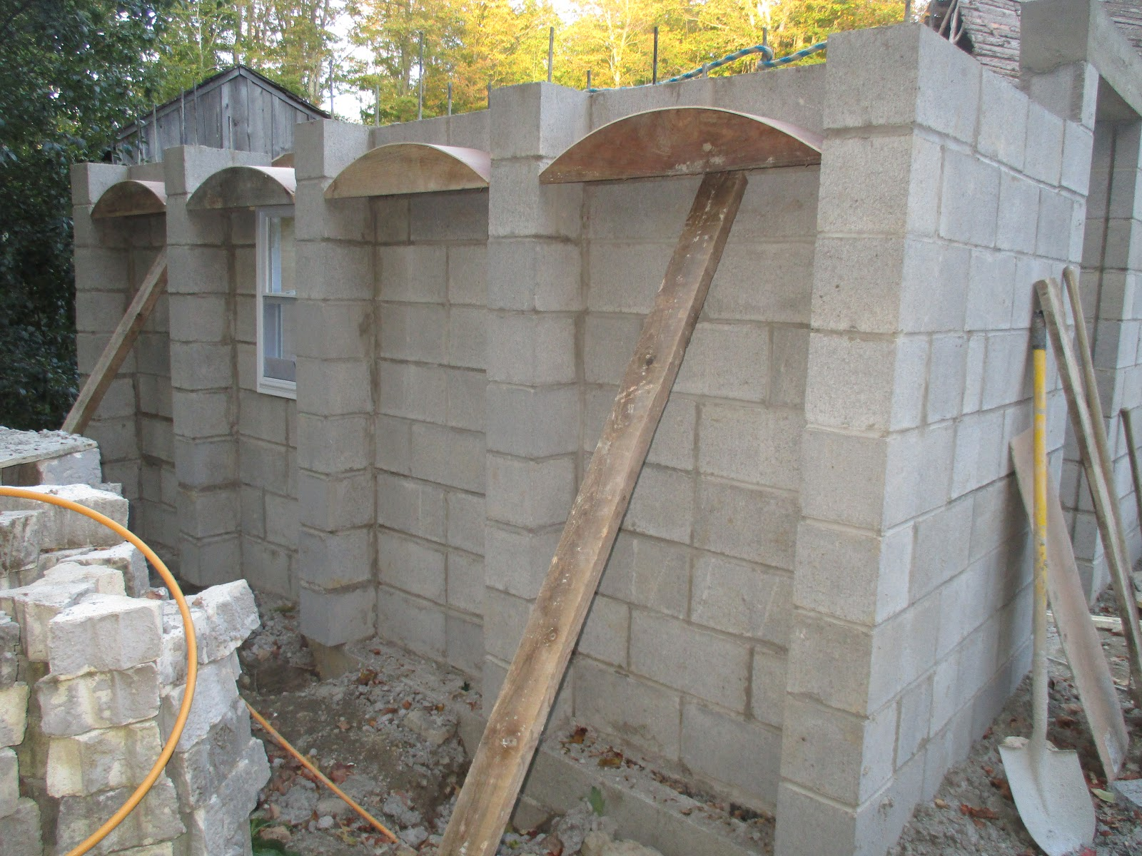 Masonry Design: Making a small concrete block masonry building