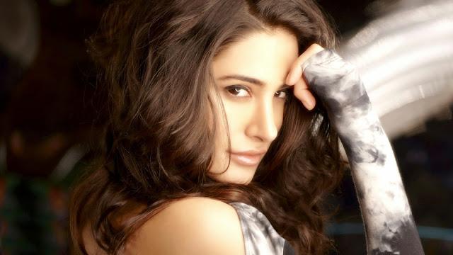 Nargis Fakhri HD Wallpapers Free Download