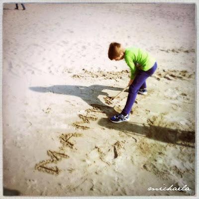 Mamma sulla spiaggia...