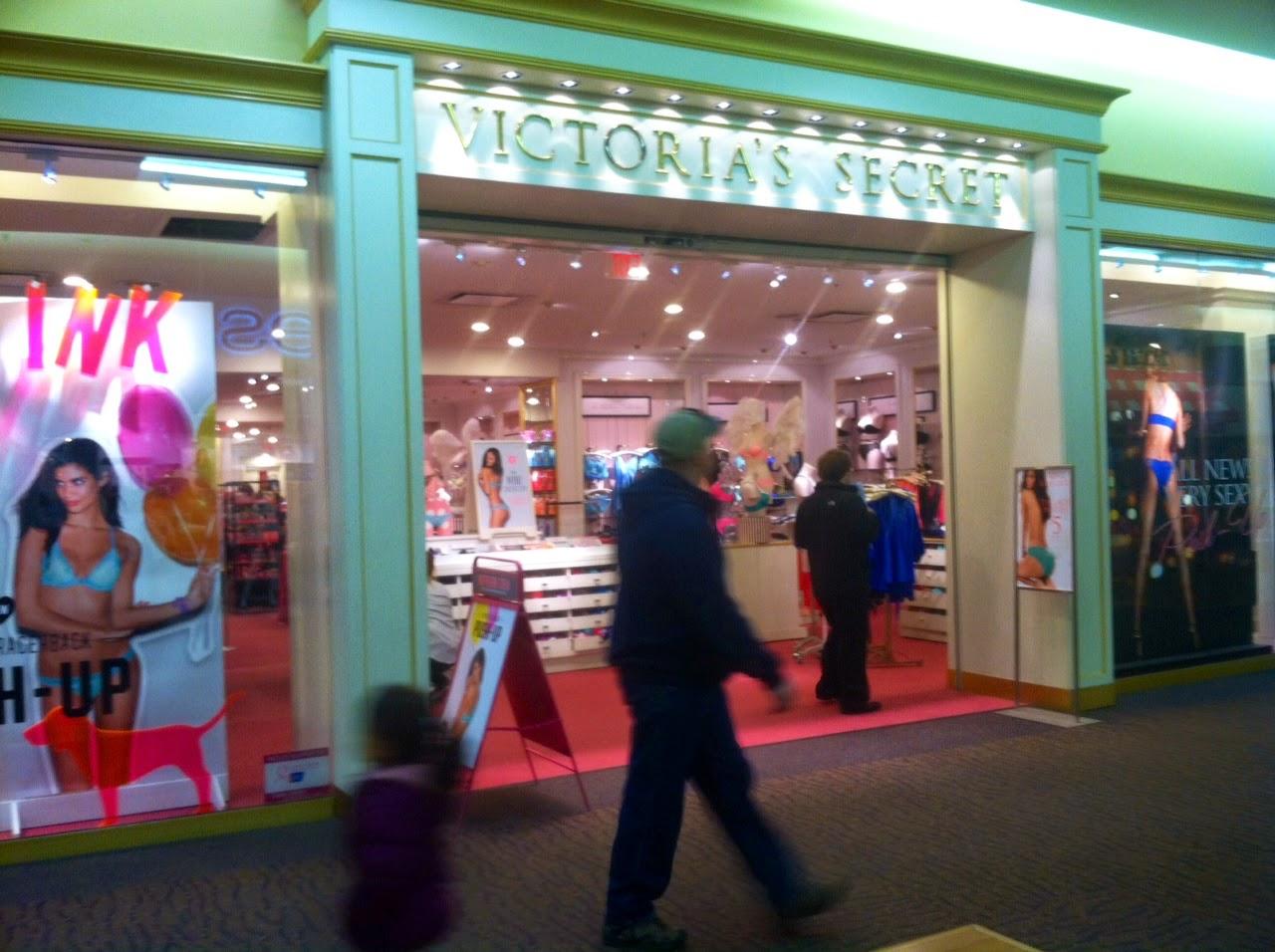 Shopping In Bozeman Mt >> Sarah Afshar Victoria S Secret Store Reviews Gallatin Valley Mall