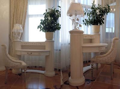Декоративный стол ручной работы