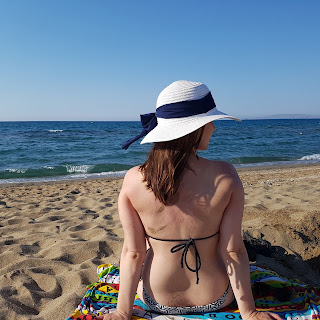 Clothes & Dreams: 48 hours in Crete, Heraklion. Beach hat