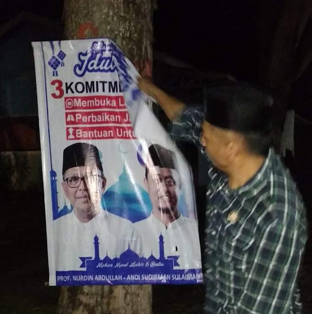 Panwascam Tanete Riattang Bersihkan Banner Prof Andalan, Ini Alasannya