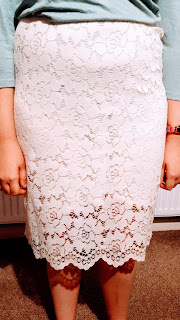 Top Ender's Bargain White Lace Skirt