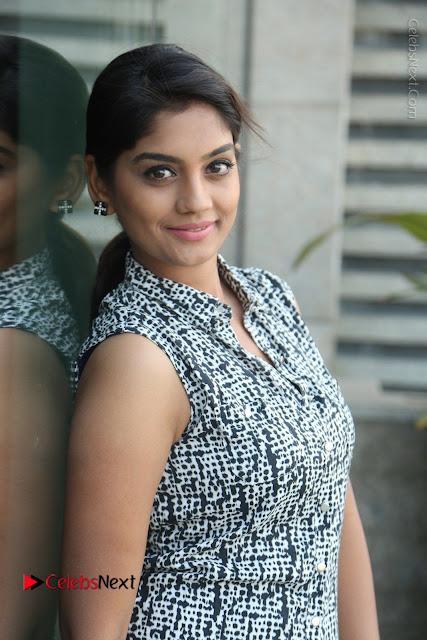 Telugu Television Actress Karuna Latest Pos In Denium Jeans  0012.JPG