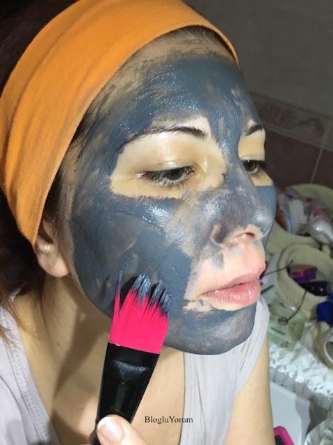 loreal paris skin expert saf kil detoks maskesi swatch1