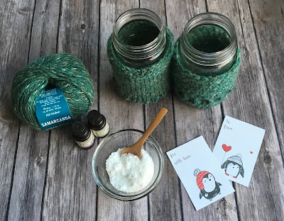 Free Patterns: Recipe for Relaxation Knit & Crochet Mason Jar Cozy + Free Printable Gift Tags