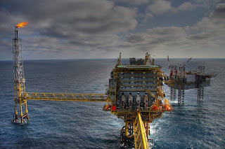 Oil-rig-petroluem-engineers