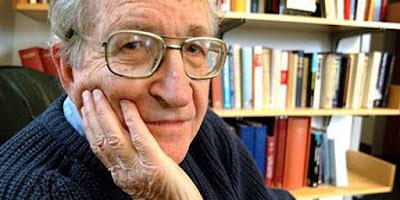 Escritor Noam Chomsky